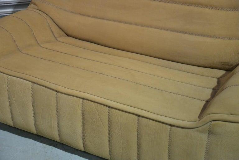 Vintage De Sede DS 84 Leather Sofa, Switzerland 1970s For Sale 4