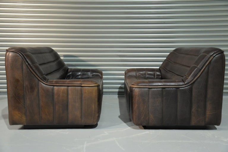 Discounted airfreight for our US and International customers (from 2 weeks door to door).  We are delighted to bring to you an ultra rare pair of vintage De Sede DS 84 2-seat sofas. Hand built in the 1970s by De Sede craftsman in Switzerland, these
