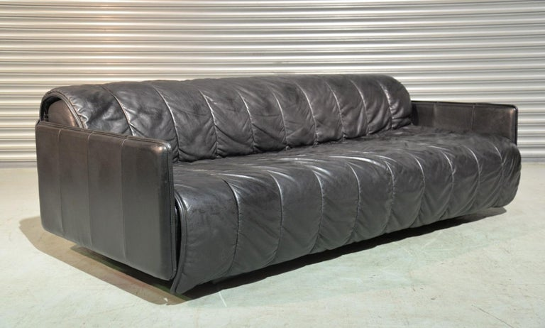 Mid Century Modern Vintage Swiss De Sede Leather Sofa Daybed 1970 S