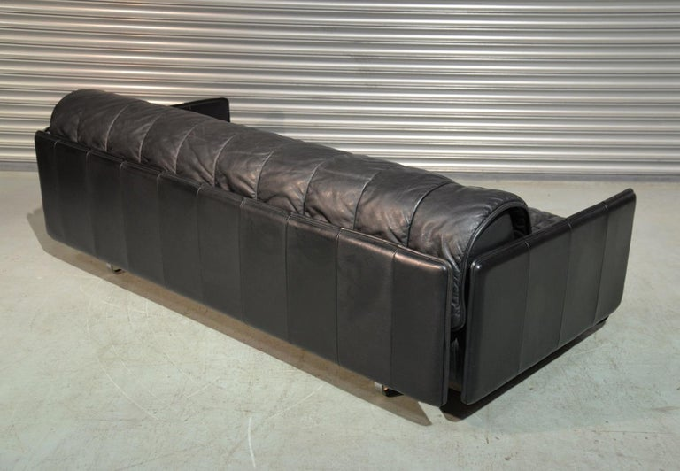 Late 20th Century Vintage Swiss De Sede Leather Sofa / Daybed, 1970`s For Sale