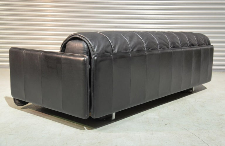 Vintage Swiss De Sede Leather Sofa / Daybed, 1970`s For Sale 1