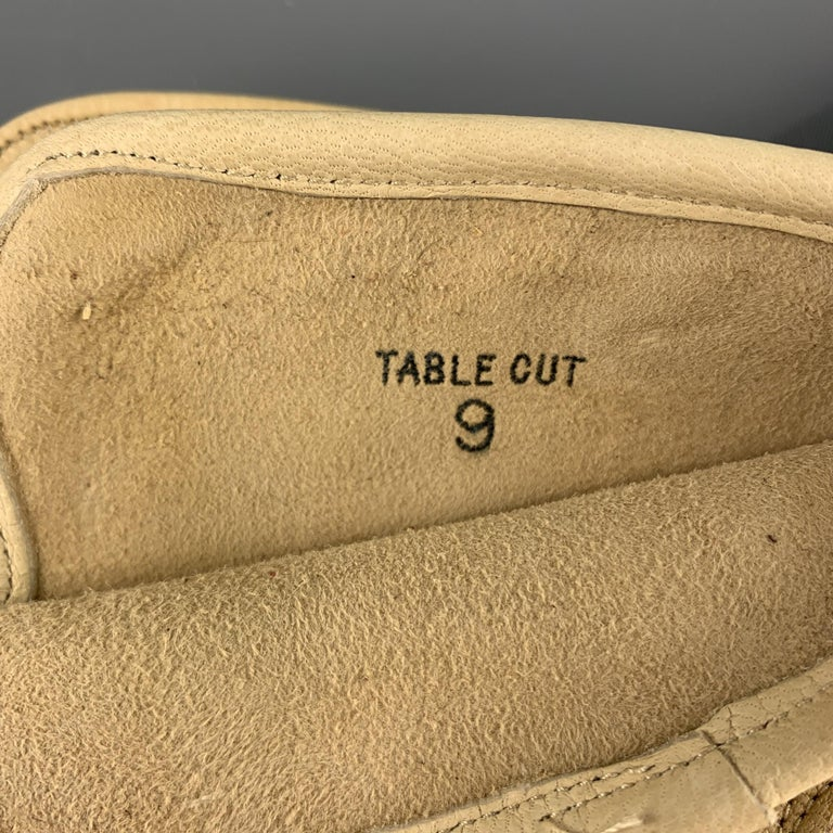 VINTAGE Table Cut Size 9 Khaki Leather Gloves In Good Condition For Sale In San Francisco, CA