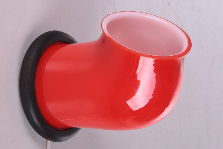 Vintagetable lamp holmegaard by Michael Bang, 1972   A beautiful bright red Midcentury Holmegaard glass Epoke lamp.  Designed by Michael Bang for Holmegaard, Denmark, 1972.  Wonderfully playful design and slightly nautical in
