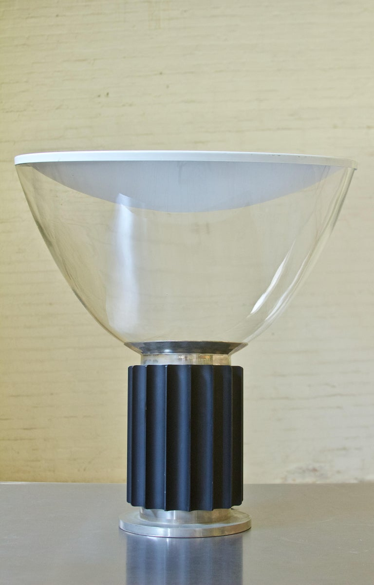 Mid-20th Century Vintage Taccia Lamp by Pier Giacomo and Achille Castiglioni, Flos, 1962 For Sale