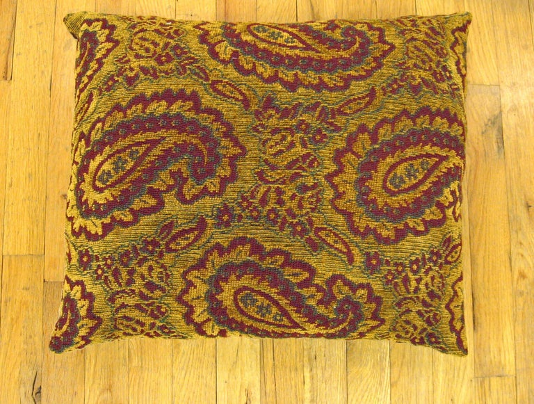 A vintage decorative tapestry pillows, size 22