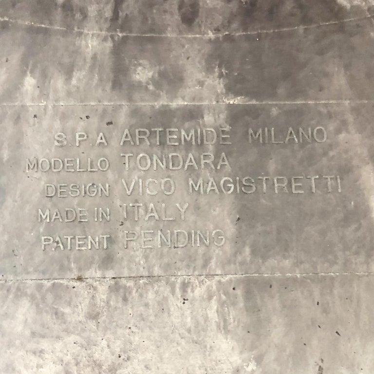 Late 20th Century Vintage Tavolo Tondara Resin Coffee Table by Vico Magistretti for Artemide