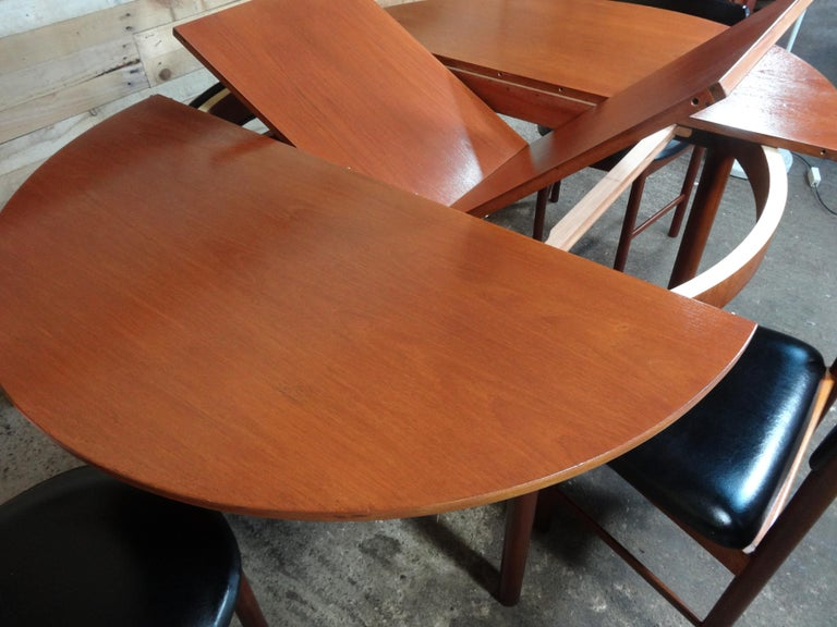 Vintage Teak Foldout Dining Table 4 Chairs by Tom Robertson for McIntosh, 1960 In Good Condition For Sale In Cowthorpe, North Yorkshire