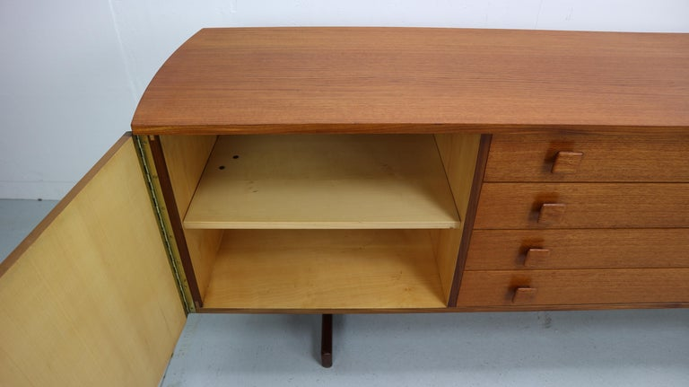 Vintage Teak Sideboard, 1960s For Sale 3