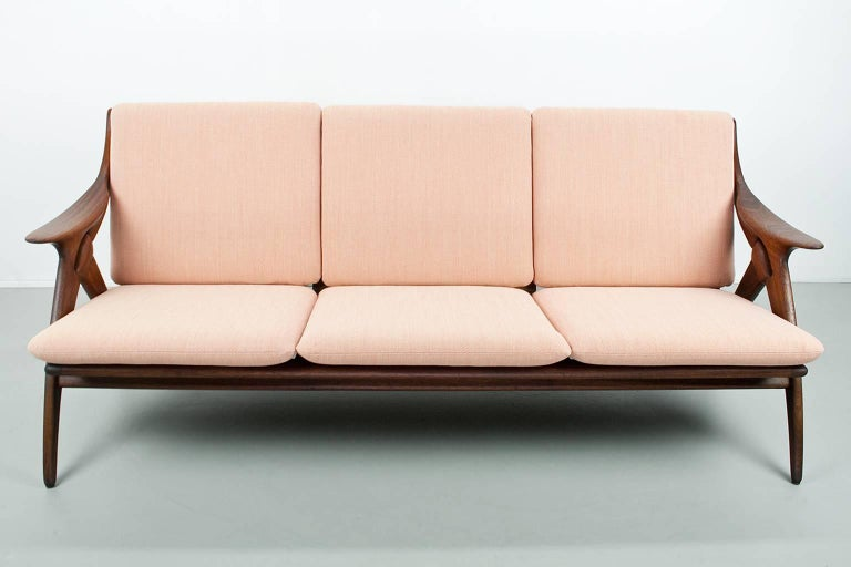 Dutch Vintage Teak Sofa Reupholstered in Salmon Color by De Ster Gelderland, 1960s For Sale