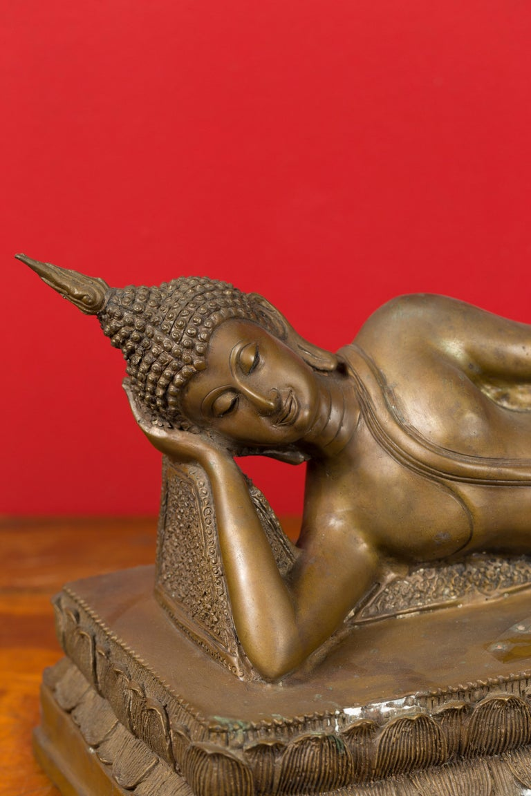 Vintage Thai Bronze Reclining Buddha Sculpture on Base with Lost Wax Technique For Sale 4