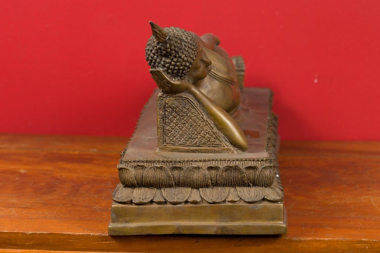 Vintage Thai Bronze Reclining Buddha Sculpture on Base with Lost Wax Technique For Sale 5