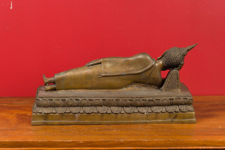 Vintage Thai Bronze Reclining Buddha Sculpture on Base with Lost Wax Technique For Sale 7