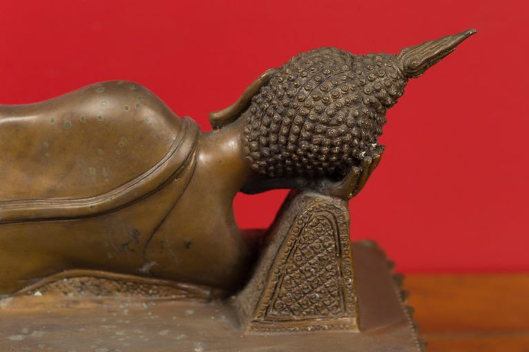 Vintage Thai Bronze Reclining Buddha Sculpture on Base with Lost Wax Technique For Sale 8