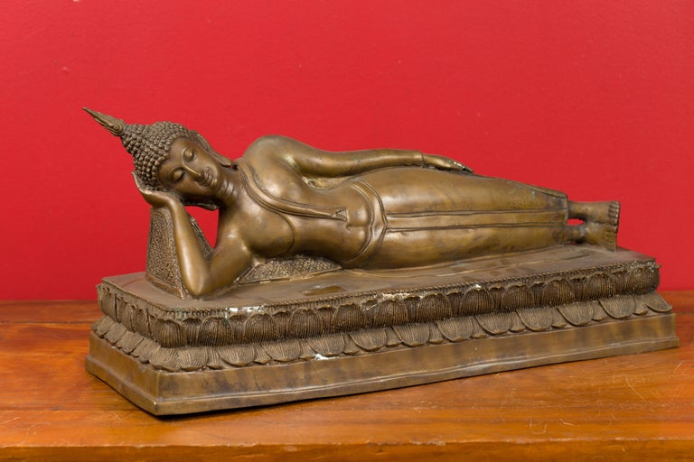 Vintage Thai Bronze Reclining Buddha Sculpture on Base with Lost Wax Technique For Sale 3