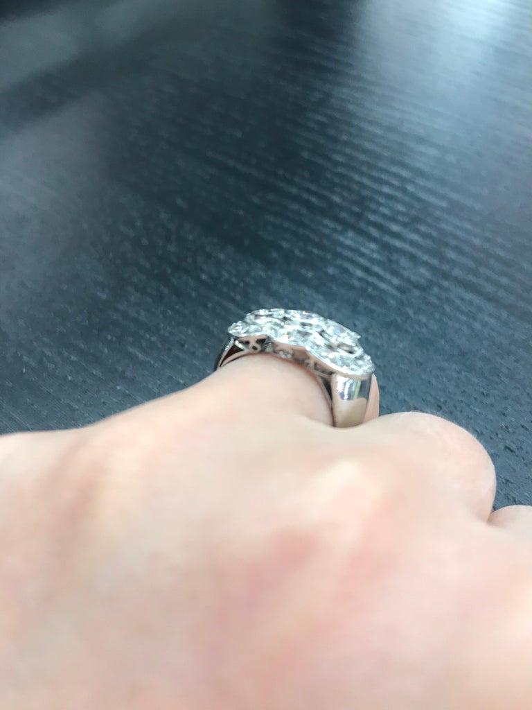 Vintage Three-Stone Diamond Ring Platinum 2 Carat For Sale 6