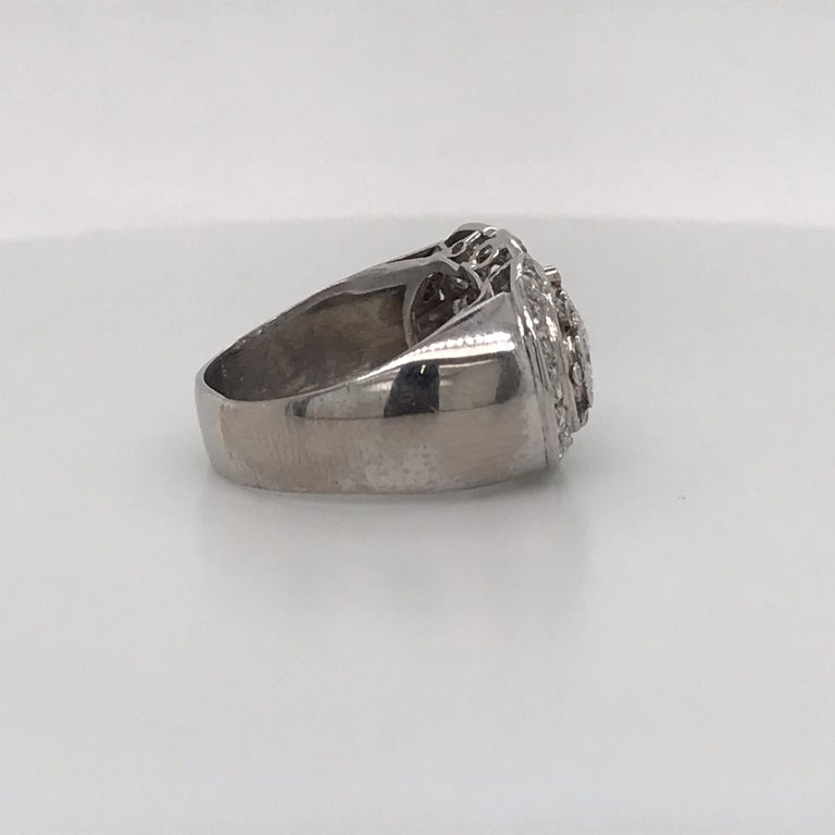 Vintage Three-Stone Diamond Ring Platinum 2 Carat For Sale 1