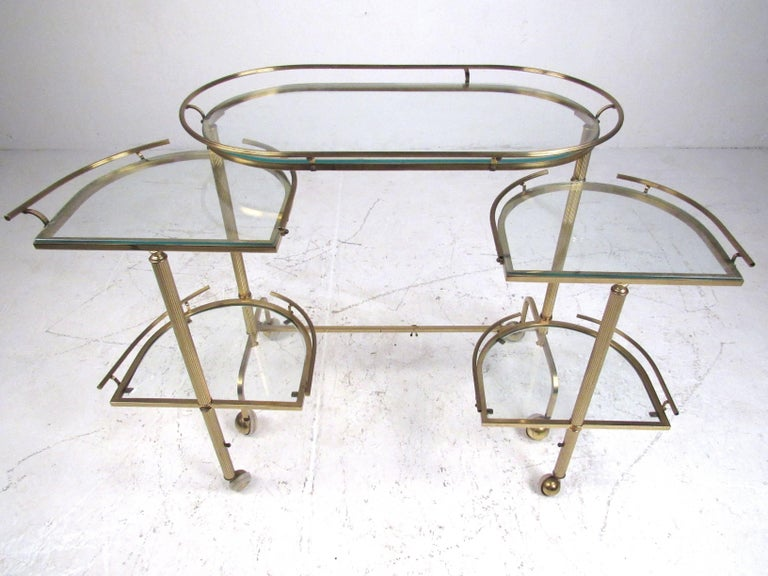 Vintage Three-Tier Brass Service/Bar Cart In Good Condition For Sale In Brooklyn, NY