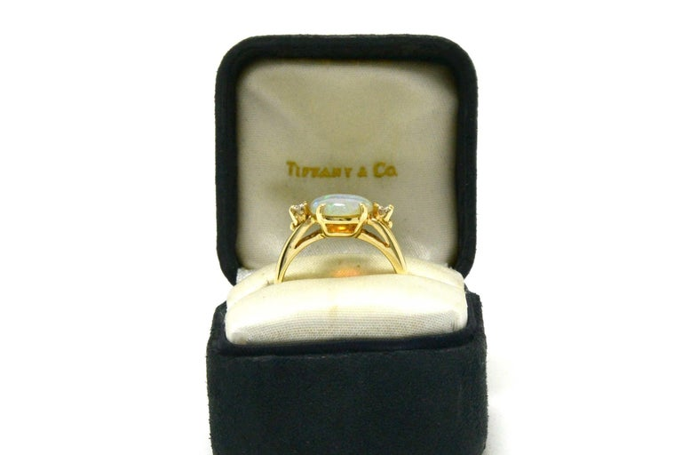 Vintage Tiffany & Co. 3-Stone Ring Opal and Diamond Ring Midcentury Estate 1