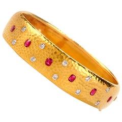 Vintage Tiffany & Co. 18 Karat Diamond and Ruby Hammered Bangle Bracelet