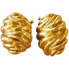 Vintage Tiffany & Co. 18 Karat Gold Clip-On Earrings