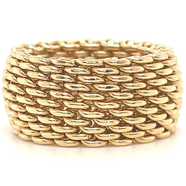 Vintage Tiffany & Co. 18 Karat Gold Mesh Band Ring In Excellent Condition For Sale In Beverly Hills, CA