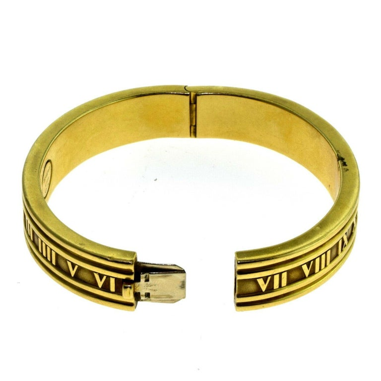 Vintage Tiffany & Co. Atlas Closed Bracelet Bangle in Yellow Gold, 1995 For Sale 1