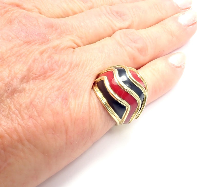 Vintage Tiffany & Co. Enamel Dome Yellow Gold Ring For Sale 7