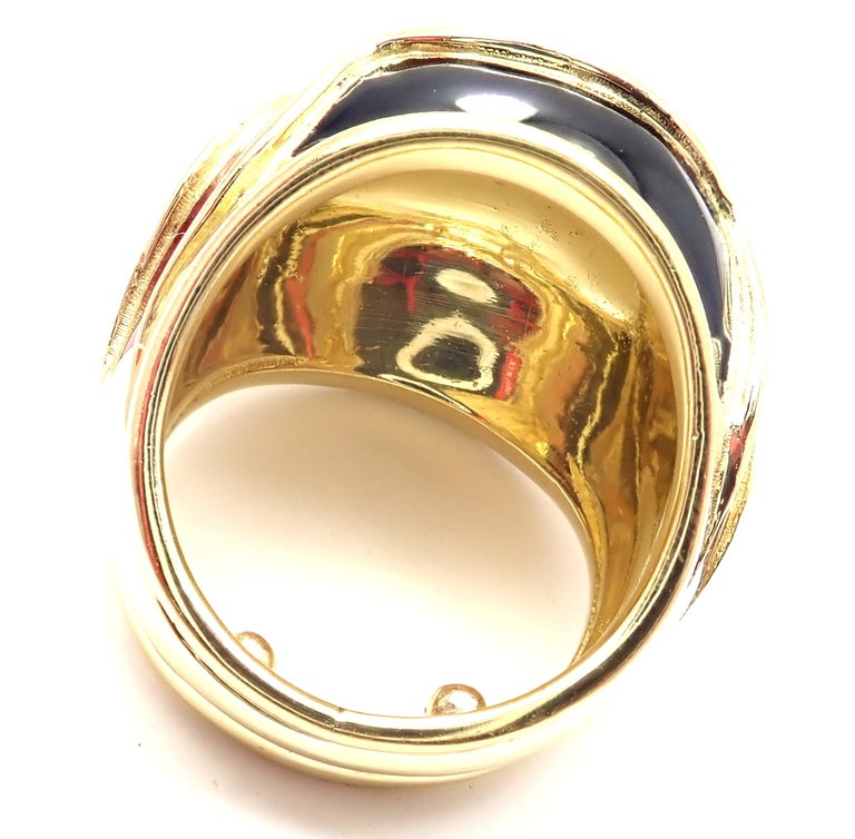 Vintage Tiffany & Co. Enamel Dome Yellow Gold Ring In Excellent Condition For Sale In Holland, PA