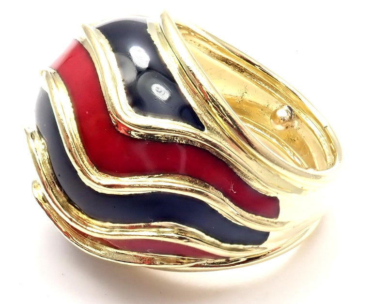 Women's or Men's Vintage Tiffany & Co. Enamel Dome Yellow Gold Ring For Sale