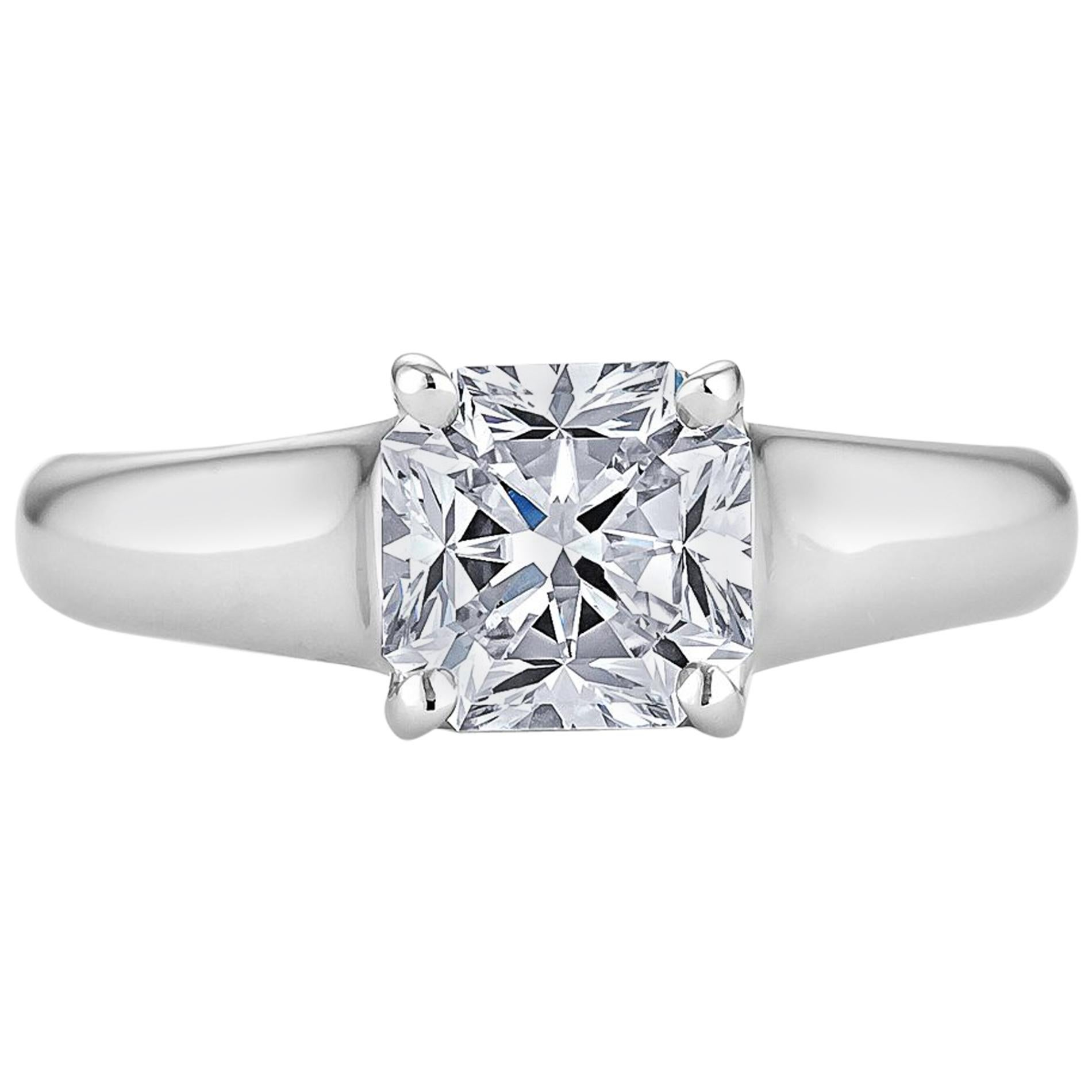 1709bd3d9 Tiffany and Co. Diamond and Platinum Engagement Ring. at 1stdibs