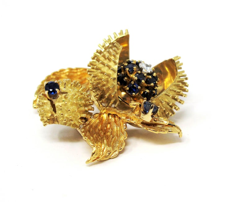 Vintage Tiffany & Co. Sapphire and Diamond Open Flower Brooch 18 Karat Gold For Sale 6