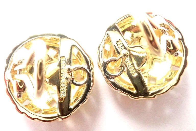 Vintage Tiffany & Co. Vannerie Basket Weave Yellow Gold Earrings In Excellent Condition For Sale In Holland, PA