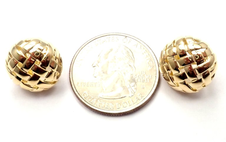 Vintage Tiffany & Co. Vannerie Basket Weave Yellow Gold Earrings For Sale 3
