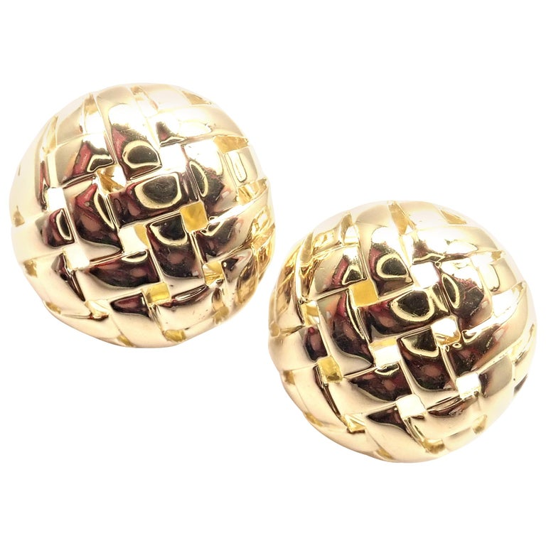 Vintage Tiffany & Co. Vannerie Basket Weave Yellow Gold Earrings For Sale