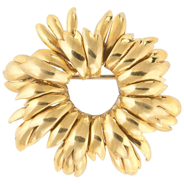 Vintage Tiffany & Co. Wreath Brooch 18 Karat Gold Italy Round, 1980s Jewelry For Sale