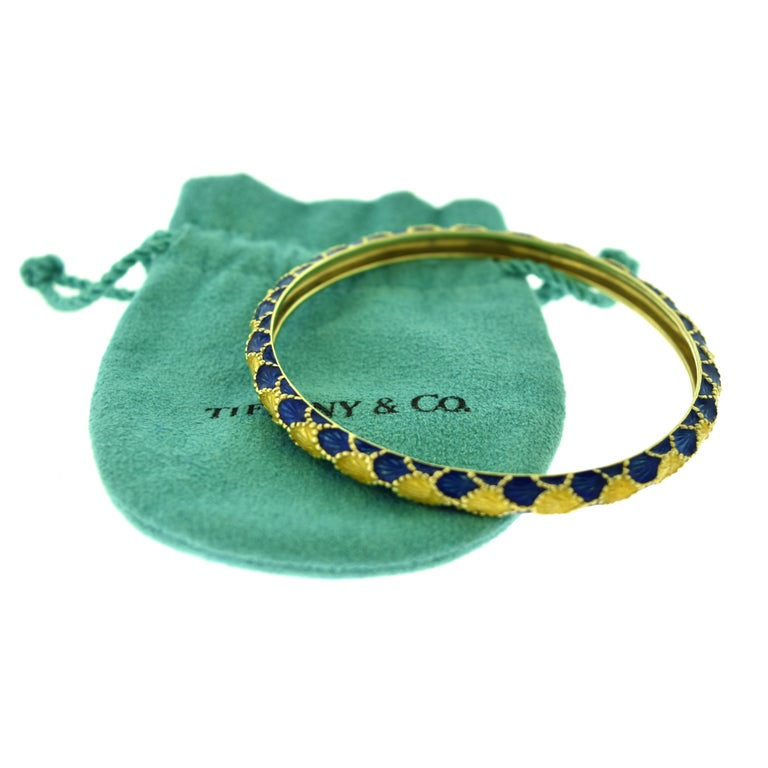 Women's or Men's Vintage Tiffany & Co. Yellow Gold and Blue Enamel Design Bangle Bracelet For Sale
