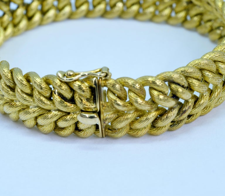 Contemporary Vintage Tiffany & Co. 18 Karat Yellow Gold Double Curb Link Bracelet For Sale