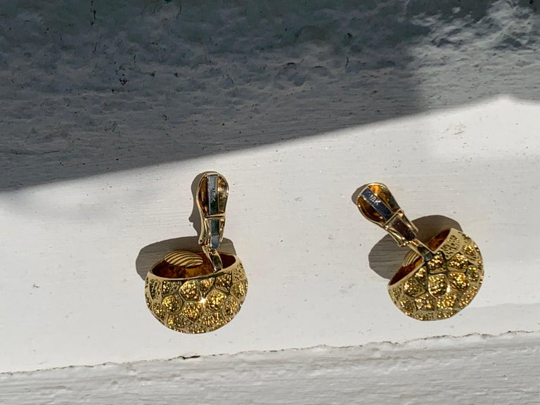 Vintage Tiffany Moon Landing 18 Karat Gold Clip on Earrings In Excellent Condition For Sale In Munich, Bavaria
