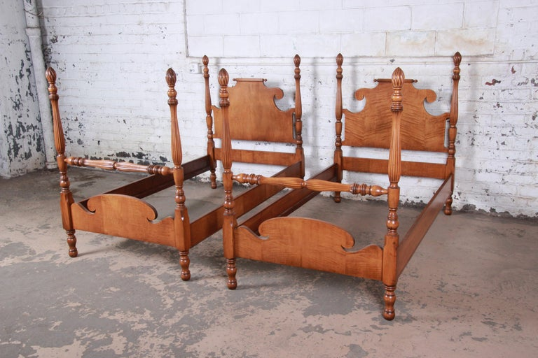 American Colonial Vintage Tiger Maple Twin Pineapple Poster Beds, Pair For Sale