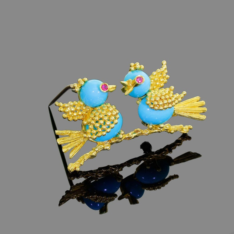 Details & Condition: Beautiful vintage 18k yellow gold signed Toliro pair of love birds. As with all couple's one look's like he is listening intently to what the Mrs has to say :) and looking quite elegant while doing it! The brooch is in excellent