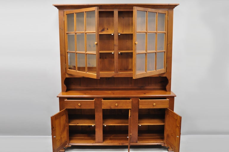 American Colonial Vintage Tom Seely Pine Wood Step Back Hutch Cupboard China Cabinet
