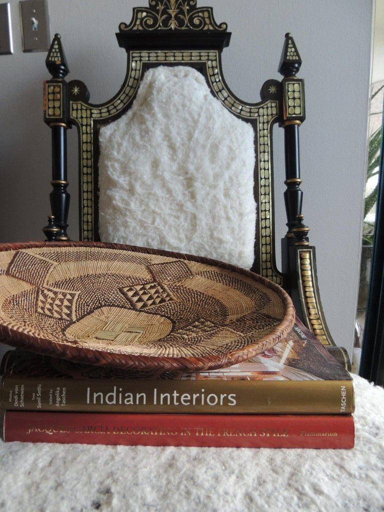 Vintage tribal tan and brown woven round African basket. Tribal woven pattern. Size: 15