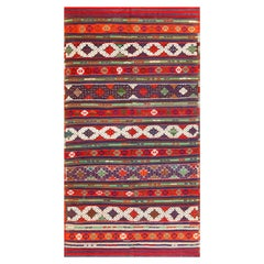 Vintage Tribal Turkish Kilim. Size: 5 ft 3 in x 9 ft 2 in