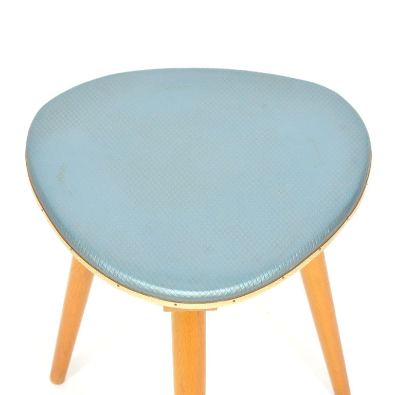Mid-Century Modern Vintage Tripod Stool from 1960s For Sale