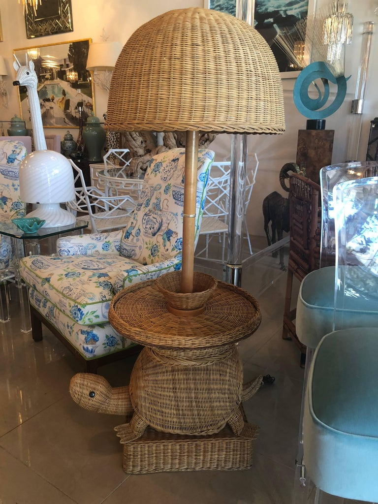 Vintage Tropical Wicker Turtle Side End Table Floor Lamp
