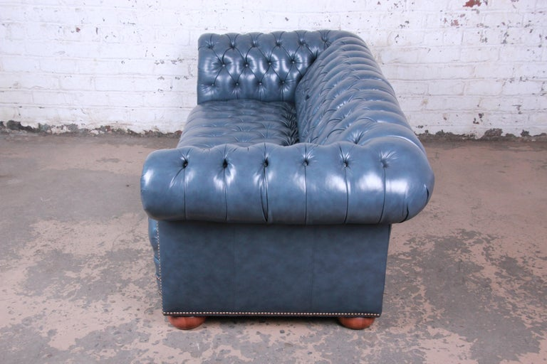 Vintage Tufted Blue Leather Chesterfield Sofa For Sale 4