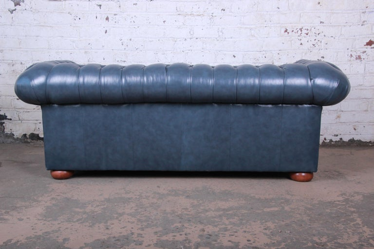 Vintage Tufted Blue Leather Chesterfield Sofa For Sale 5