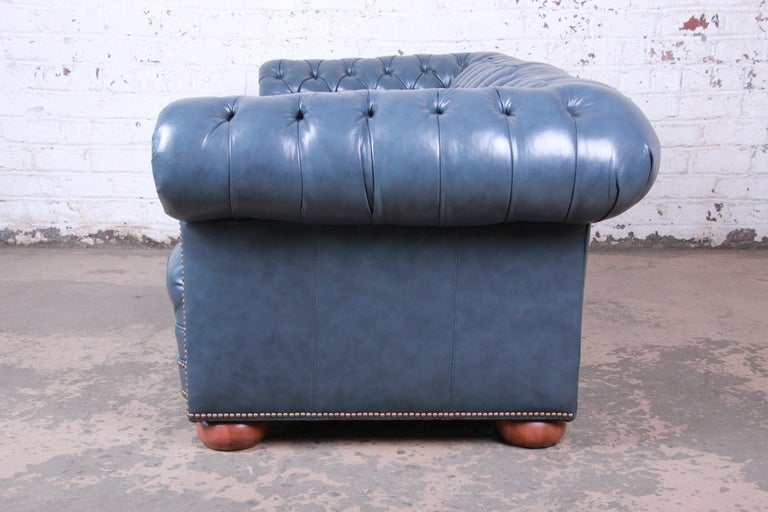 Vintage Tufted Blue Leather Chesterfield Sofa For Sale 3