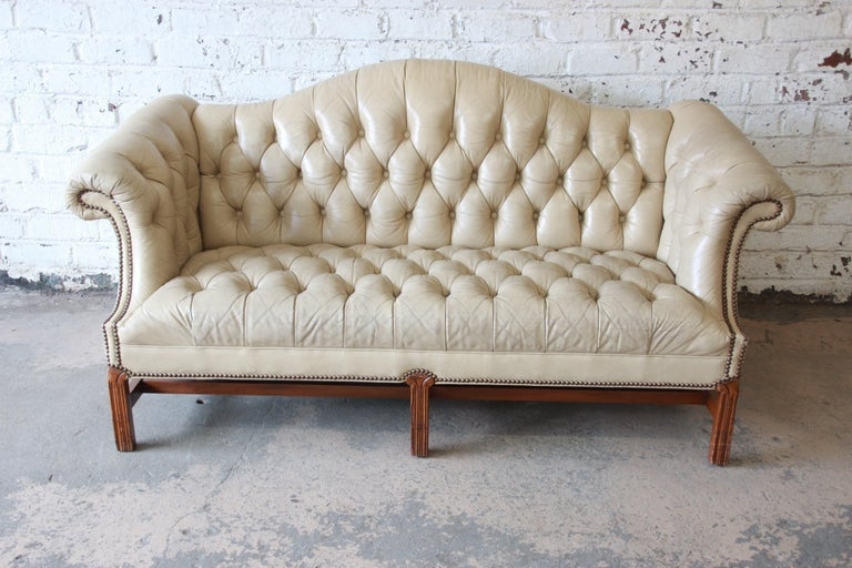 Vintage Tufted Tan Leather Chesterfield Sofa In Good Condition For Sale In South Bend, IN