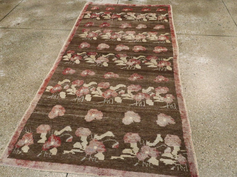Vintage Turkish Anatolian Rug In Good Condition For Sale In New York, NY